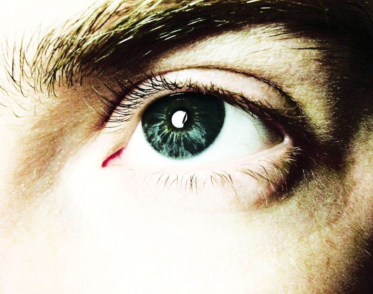Jak przebiega badanie wzroku u okulisty?